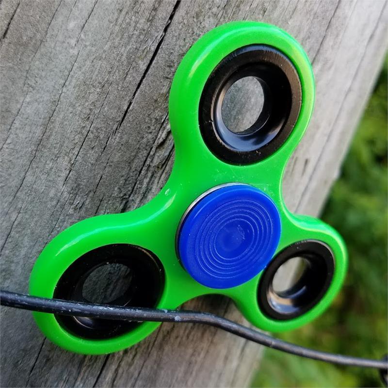 Best Fidget Spinner - A Green Fidget Spinner To Relieve Yourself