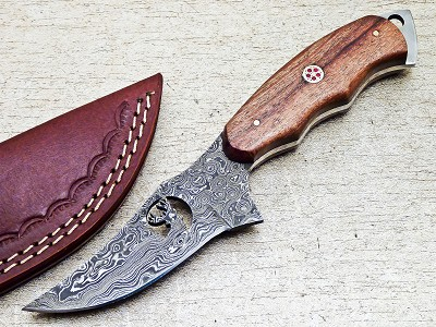Damascus Steel Handmade Hunting Skinning Knife 8.25